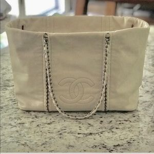 Offer/trade Cream Chanel handbag